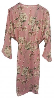 Kimono with details and flowers
