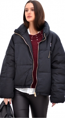 Woman's puffer jacket with pockets and zipper