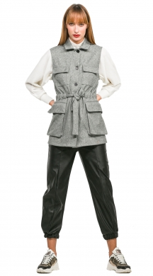 Gilet with button and belt