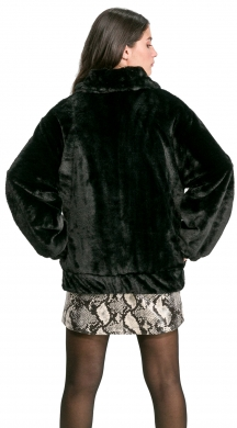 Short Faux Fur with Fastener