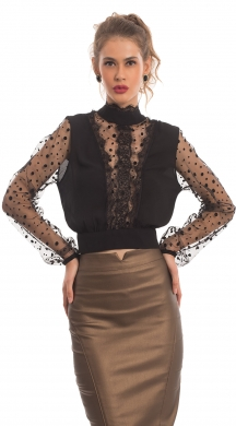 Top with Spotted Sleeves and Opening In Back