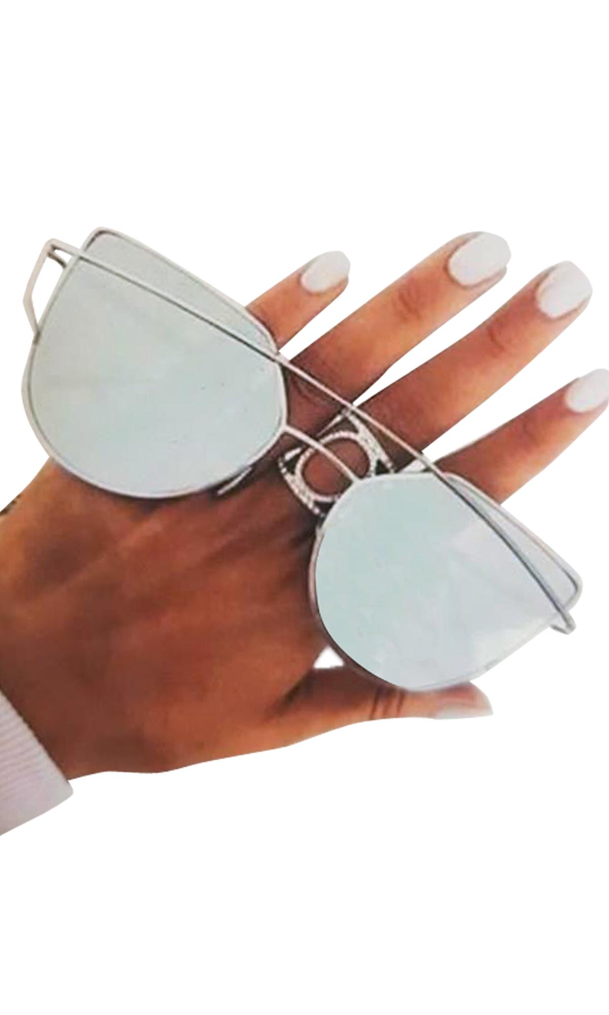 3eebe045cf5 Γυαλιά ηλίου με καθρέπτες | Γυναικεία αξεσουάρ από τη Miss Reina ...