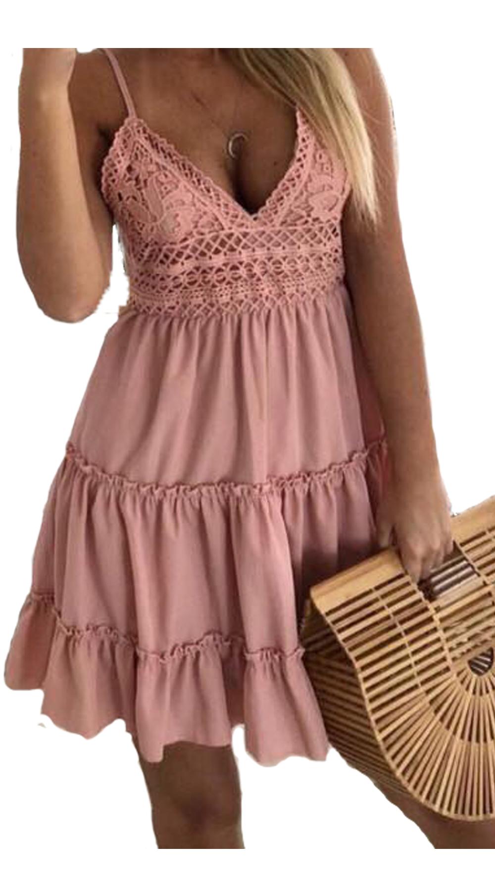 Μίνι φόρεμα με βολάν και λεπτομέρεια από δαντέλα  ΑΠΟΣΤΟΛΕΣ ΑΠΟ 25 6 ... d1c0d8ea725